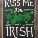 c SIGN – kiss me Irish chalkboard